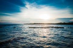 在轰隆Khun Thian海的日落 免版税图库摄影