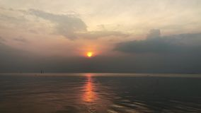 在轰隆Pu的太阳落山 影视素材