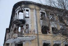 在轰击以后的大厦 库存图片