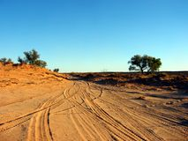 沙漠轨道 免版税库存图片