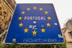 在边界的葡萄牙标志 库存图片