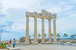 在边的古老阿波罗寺庙 免版税库存图片