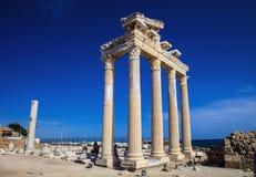 在边,土耳其的古老纪念碑 免版税图库摄影