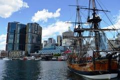 在达令港,悉尼的海盗船 免版税库存照片