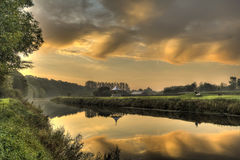 在达翰姆河穿戴的日出反映 免版税库存照片