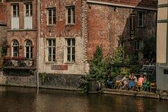 在运河和人民前面的老大厦在跟特 库存图片