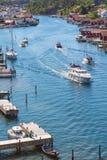在运河的小船 免版税图库摄影