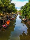 在运河的渔船 库存图片
