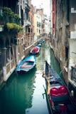 在运河的美丽的大厦在威尼斯 免版税库存图片