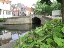 在运河的路桥梁 库存照片