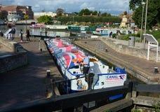 在运河锁的Narrowboat 库存照片