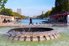在运河de l ` Ourcq的看法在巴黎,法国 图库摄影