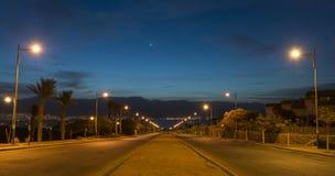在运行到红海的街道的早晨, Eilatl 图库摄影