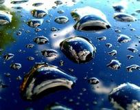 在这些一点waterdops的地球 库存图片