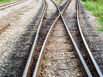 在连接点火车站附近的铁路铁路 图库摄影
