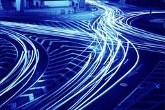 在连接点的交通在城市 免版税库存照片