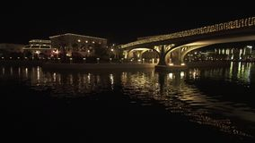在迪拜公园的Riverland和手段库存英尺长度录影 股票视频