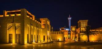 在迪拜的老部分的阿拉伯街道 库存图片