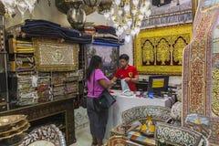 在迪拜购物中心的souk 库存照片