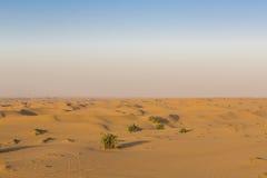 在迪拜附近的沙丘沙漠 阿拉伯酋长管辖区团结了 库存图片