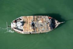 在迪拜Creek的小船在Deira 免版税库存图片