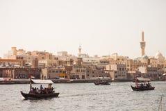 在迪拜Creek的小船 免版税图库摄影
