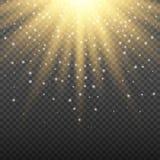在透明背景的金子发光的轻的爆炸爆炸 与光芒闪闪发光的明亮的火光作用装饰 皇族释放例证