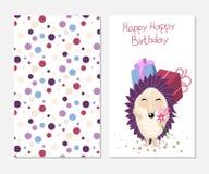 在逗人喜爱的样式的时髦的生日快乐卡片与动画片猬 印刷品设计的模板 库存照片