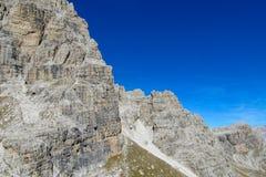 在通行证, Dolomiti di Brenta上的白云岩山 库存照片