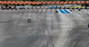 在通行费的交通 亢奋流逝 顶视图 影视素材