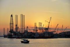 在造船厂的日落 免版税库存图片