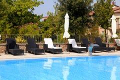 在避暑胜地,托斯卡纳,意大利的游泳池 库存照片