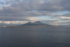 在那不勒斯海湾的日落  库存图片