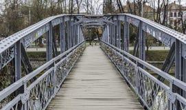 在都市河的小桥梁 库存图片