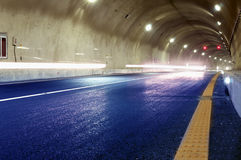 在都市高速公路路隧道的抽象速度行动 库存图片