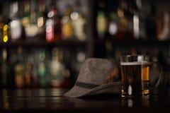 在酒吧的慕尼黑啤酒节啤酒 库存照片
