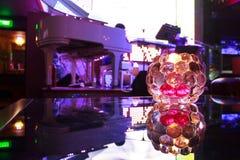 在酒吧的蜡烛 图库摄影