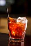 在酒吧的鸡尾酒 免版税库存照片