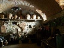 在酒里面的地窖 免版税库存照片