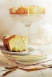 在酥皮点心的蛋糕用杏仁 免版税库存照片