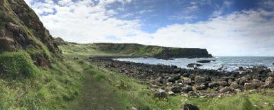 在酷寒北风爱尔兰,欧洲的巨型` s堤道 免版税库存图片