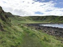 在酷寒北风爱尔兰,欧洲的巨型` s堤道 免版税图库摄影
