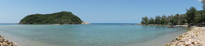 在酸值普吉岛附近的海岛 免版税库存照片