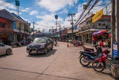 在酸值阁帕岸岛,泰国的地方街道 库存照片