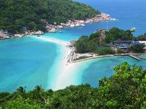 在酸值陶,泰国的海滩。 免版税库存照片