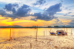 在酸值Kho Khao海岛港口的日出  库存图片