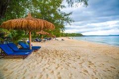在酸值kong省的戈公岛白色海滩在柬埔寨 免版税库存图片