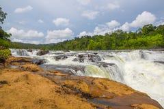 在酸值kong省的Ta Tai瀑布在泰国边界附近的柬埔寨王国 免版税图库摄影