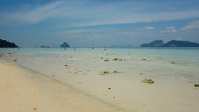 在酸值Kradan,泰国的蓝天 免版税库存照片