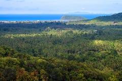 在酸值Phangan海岛上的鸟瞰图 图库摄影